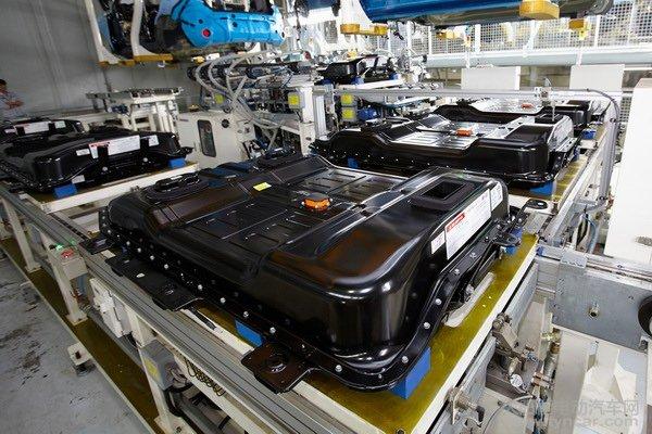 大众汽车全球首发自动化量产热塑性塑料车身零部件