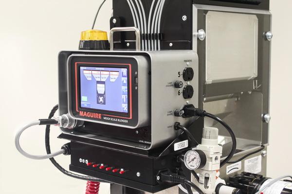 容量大幅增加的混料机控制器可增强与先进技术的连接能力,并实现混料与上料的整合